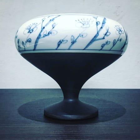 濑户洁具,手绘香炉。手绘图片制作的杰作,采用传统工艺烘焙而成。