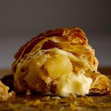 【RINGO】Freshly-baked custard apple pie