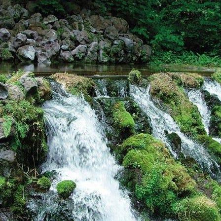 羊蹄山湧泉