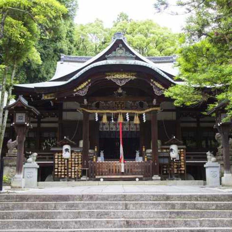 Higashi-Tenno Okazaki-Jinja Shrine