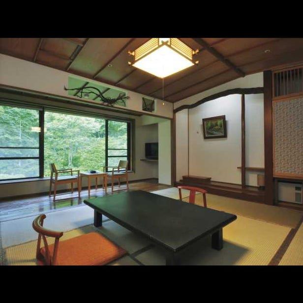 Tsuta Onsen Ryokan