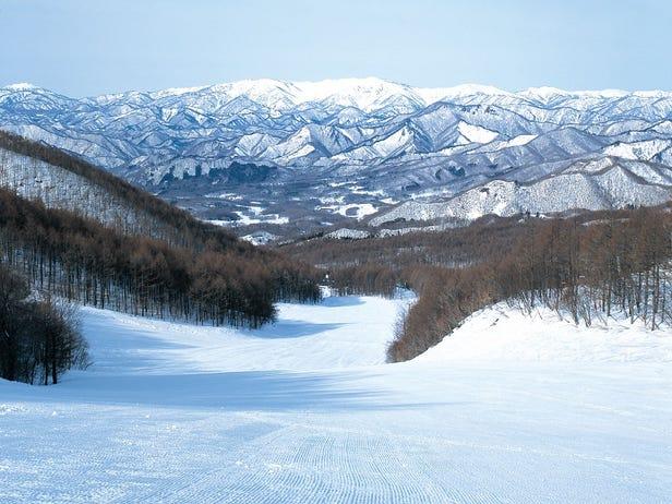 TAKATSUE Ski Resort