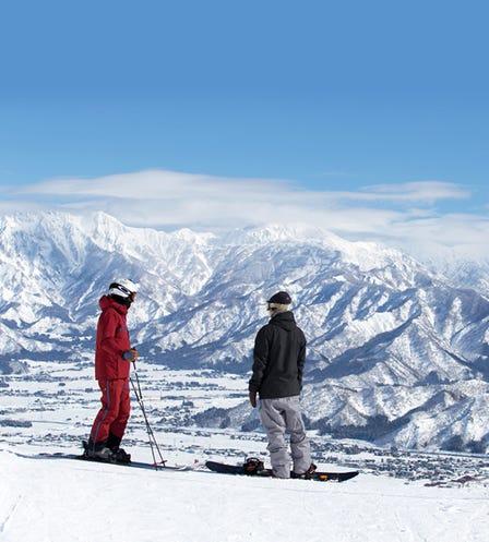 六日滑雪度假村