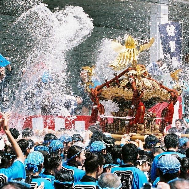 深川八幡祭り(水掛け祭り)