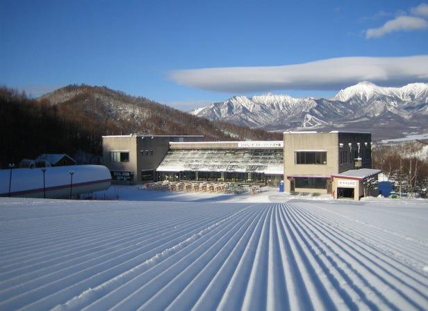 CHATERAISE八嶽山滑雪度假村