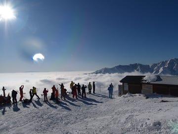 白马八方尾根滑雪场
