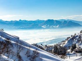 户狩温泉滑雪场