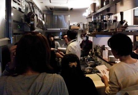 イタリアンの基本の「き」から学べる料理教室も毎月開催!