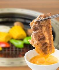 焼肉 食べ放題 カルビチャンプ 新小松店