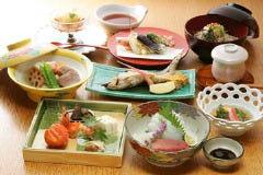 蕎麦・会席料理 吉田家 大井町店の画像