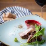 北の大地が育んだ、四元豚・神威豚の肩ロースを使ったピアンタ自慢のグリル料理