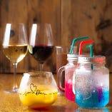 こだわりのワインをはじめ、カクテルやノンアルコール・ソフトドリンクまで老若男女問わず楽しめるドリンクが勢揃い
