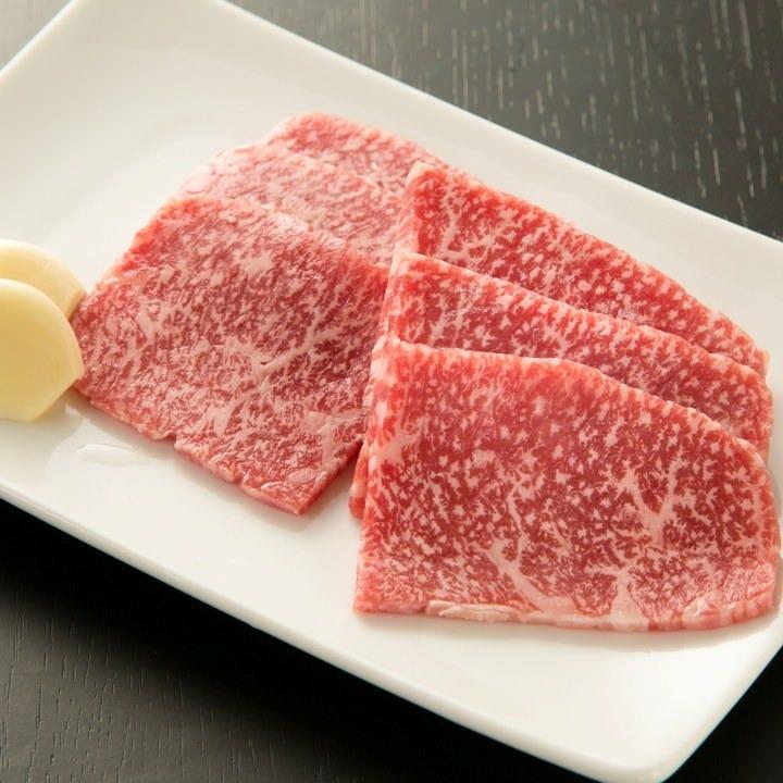新鮮な国産牛を使用した鉄板焼き!