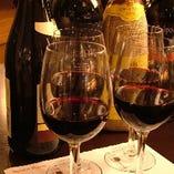 お手軽グラスワイン!700円から多様なワインをご用意しています