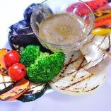 新鮮野菜の炭火焼き アンチョビソース添え