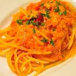 (C)ズワイガニのトマトクリームソースのスパゲッティ