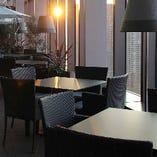 地上21階の特別感に満ちた空間で、梅田の街並みを眺めながら日常を忘れるひと時を過ごしませんか?