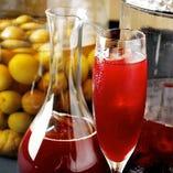 赤ワイン漬けで熟成させた、当店オリジナル梅酒。
