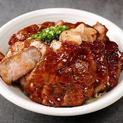 名物トンテキ丼外苑前スタイル 豚トリプル450g