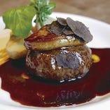 熟成和牛100%のハンバーグをご用意♪日替わりでステーキもご用意!