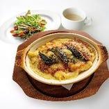 牡蠣と揚げ茄子のミートソースペンネグラタン