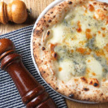 4種チーズのクアトロピッツァ