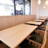 テーブル席(~4名様×2卓、~3名様×2卓、~2名様×3卓)