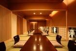 個室は掘りごたつ式座敷で床暖房も完備 最大20名まで対応可