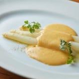 フランス産ホワイトアスパラガス オランデーズソース