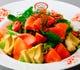 国産中心の安心野菜を使った具材たっぷりのサラダ!