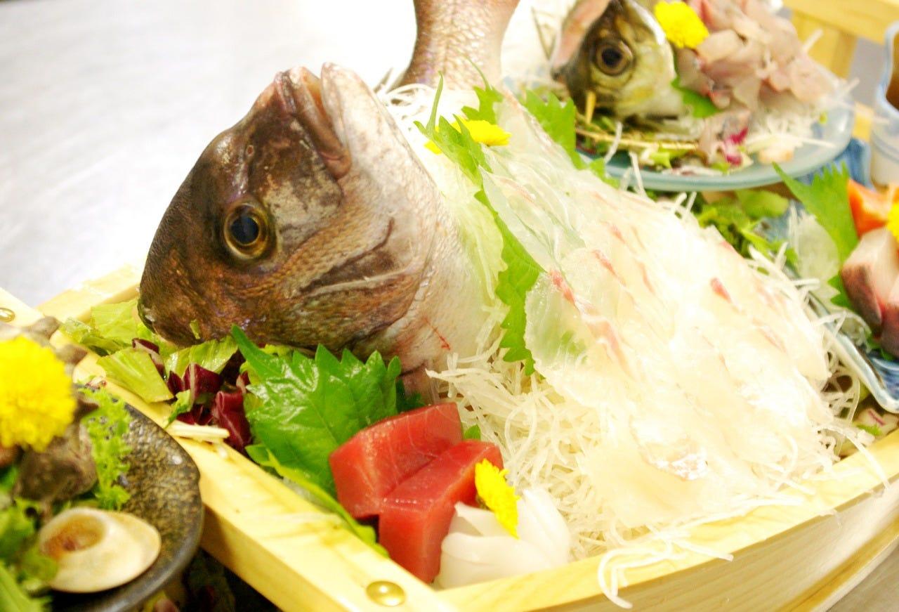 ★舟盛り活魚会席★ いけすの活鯛の舟盛り