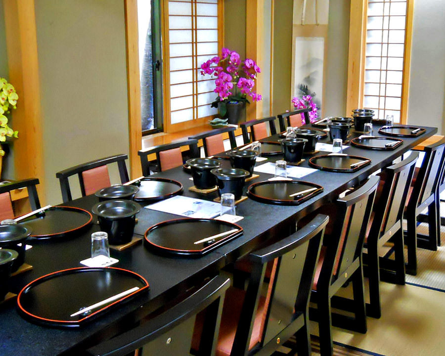 ◆完全個室ございます◆ 日本庭園が望める和室をご用意