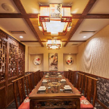 2階テーブル席【12名様まで】ビジネスの会食や大人数の宴会にも重宝する完全個室