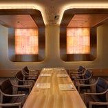 6~10名様向けの個室 バリアフリー対応の和モダン空間