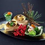洗練された器とお料理で奥深く優雅な時間をお過ごしください。