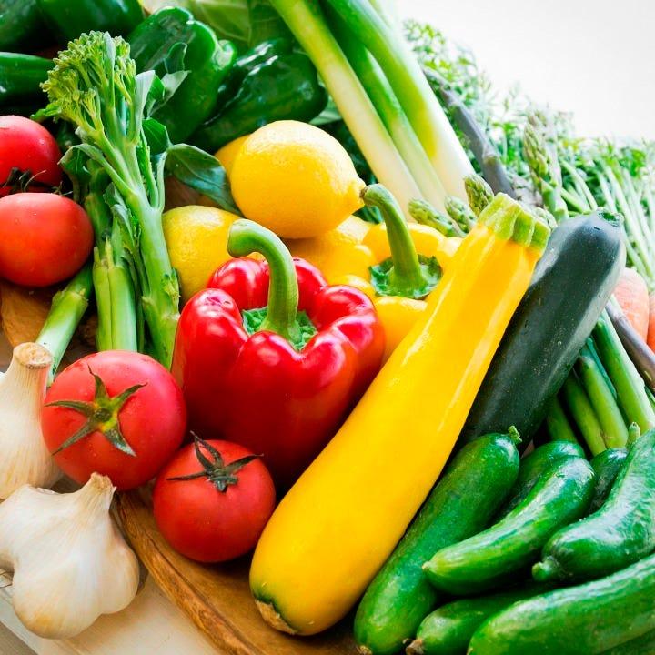 自家農園で採れた瑞々しい野菜を使用