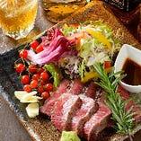 定温で管理するウォークインセラーには日本各地の地酒をご用意!
