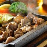 名古屋コーチン「もも肉の豪快炙り」は炭焼き炙りならではの美味