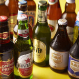 常時40種以上ご用意しております世界各国の厳選ビールで乾杯!
