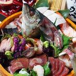 魚屋さんのおいしい鮮魚を堪能下さい。