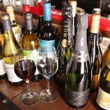ワインはなんと世界各国から約100種取り揃え☆スパークリングは約40種