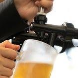キンキンに冷えた生ビールを片手に焼肉を頰張る最高のひととき♪