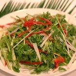 [話題のパクチー料理] パクチー(香菜)を使った小皿料理もご用意