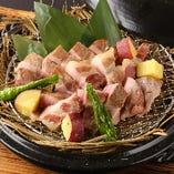 豚肩ロースの藁焼き