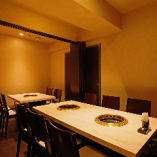 3部屋のテーブル個室をつなげると最大16名様までの大人数宴会OK