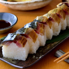 吟酒海楽 和 【名物】鯖の松前寿司