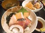 大人気ランチ 海鮮丼と自家製クリームコロッケと鷄の唐揚げ付き