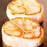 【北海道産】帆立貝柱 ~ウニのクリームソース~