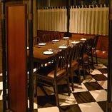 人気の半個室席は、6名様までと8名様までの2部屋をご用意。