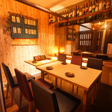 全席個室 野菜巻き串と焼き鳥 巻きんしゃい 福島店 店内の画像